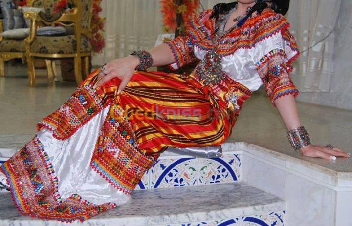 فستان تقليدي للافراح من  الجزائر do.php?img=33503